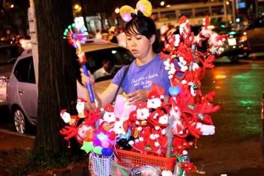 Dịch vụ bình dân ở Sài Gòn kiếm tiền trong Giáng sinh