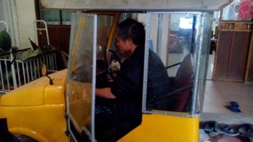 Động cơ sử dụng trên xe tự chế ông Công mua về từ đống phế liệu, và của dòng xe máy LiFan cũ được