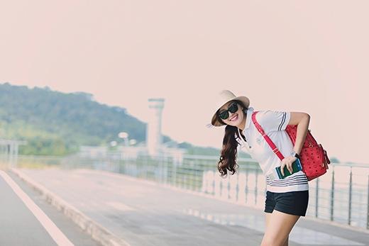 Hoa hậu Việt Nam 2006 nhí nhảnh, trẻ trung tại sân bay - Tin sao Viet - Tin tuc sao Viet - Scandal sao Viet - Tin tuc cua Sao - Tin cua Sao