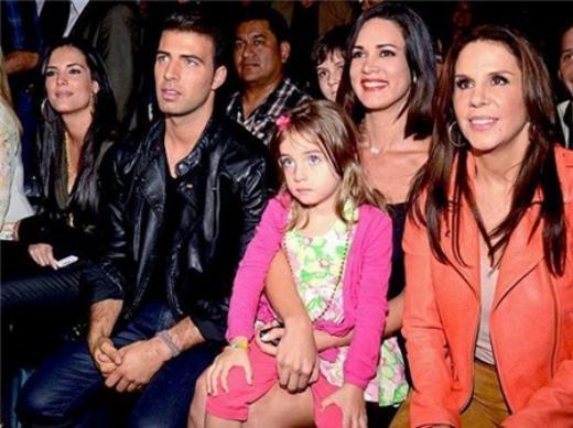 Hình ảnh cuối cùng của Hoa hậu Venezuela cùng con gái.