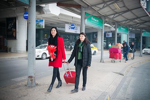 Nguyễn Thị Loan cũng tỏ ra hạnh phúc khi được trở về Hà Nội - Tin sao Viet - Tin tuc sao Viet - Scandal sao Viet - Tin tuc cua Sao - Tin cua Sao