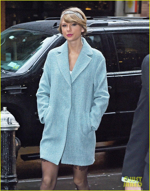 Taylor Swift chi 120 triệu đồng mua chiếc áo Hugh Jackman đã mặc