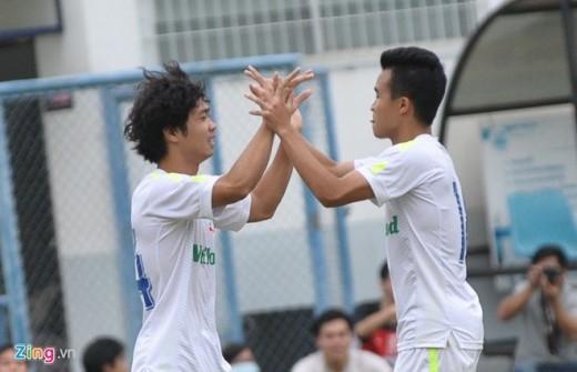Phút 84 của trận đấu, Công Phượng tiếp tục có một pha solo qua hàng loạt cầu thủ Thái Lan ấn định chiến thắng 3-0 cho HAGL. Cầu thủ HAGL ăn mừng khi đã có 3 bàn thắng dẫn trước đối thủ.