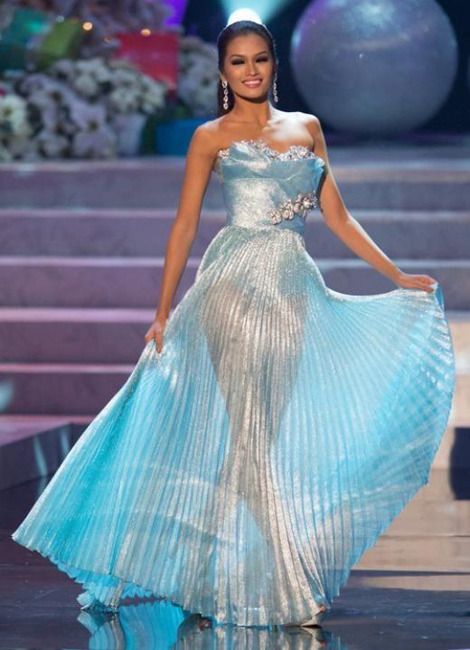 Janine Tugonon tại Hoa hậu Hoàn vũ 2012.