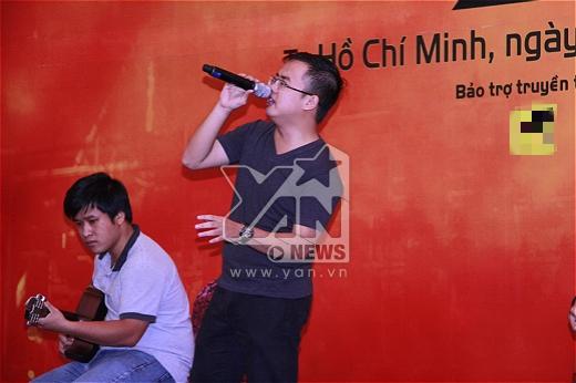 Một tiết mục rock được trình diễn trong buổi họp báo. - Tin sao Viet - Tin tuc sao Viet - Scandal sao Viet - Tin tuc cua Sao - Tin cua Sao