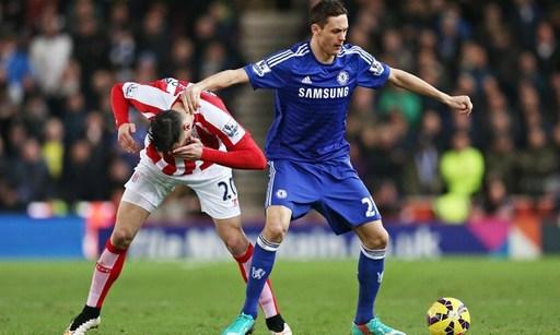 Với Matic, Chelsea có một bệ đỡ vững chắc ở giữa sân, giúp những cầu thủ phía trên như Hazard, Fabregas thỏa sức sáng tạo. Ảnh: AFP.