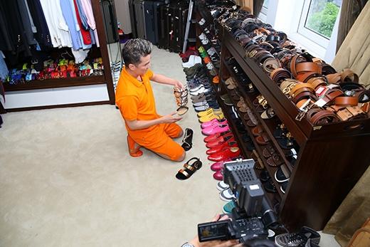 Đàm Vĩnh Hưng tiết lộ, để chuẩn bị trang phục cho liveshow Thương hoài ngàn năm tại Hà Nội vào 31/12, anh vừa sưu tầm thêm những đôi giày mới để diện trước khán giả thủ đô. - Tin sao Viet - Tin tuc sao Viet - Scandal sao Viet - Tin tuc cua Sao - Tin cua Sao