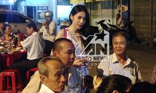Cô dâu Thủy Tiên vui vẻ để mặt mộc tiếp khách - Tin sao Viet - Tin tuc sao Viet - Scandal sao Viet - Tin tuc cua Sao - Tin cua Sao