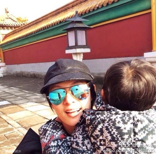 Những cặp mẹ con nhà sao Hoa ngữ hot nhất năm 2014