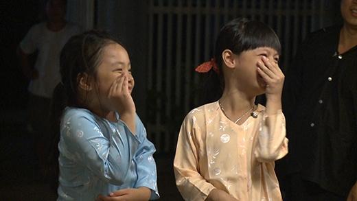 Các bé rất hợp tác và hứng thú với trải nghiệm làm diễn viên.