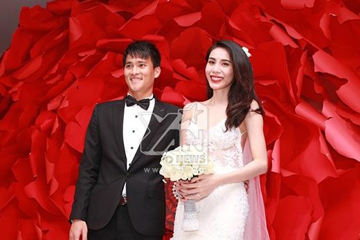 MC công bố toàn bộ số tiền khách mừng đám cưới hôm nay sẽ dùng cho hoạt động từ thiện. - Tin sao Viet - Tin tuc sao Viet - Scandal sao Viet - Tin tuc cua Sao - Tin cua Sao