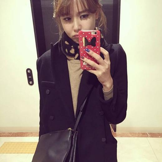 Sooyoung khoe hình tự sướng với khuôn mặt lạnh lùng nhưng không kém phần đáng yêu