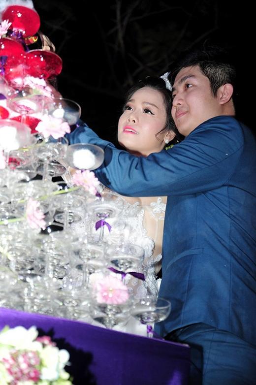 Đám cưới Nhật Kim Anh liên tục gặp sự cố - Tin sao Viet - Tin tuc sao Viet - Scandal sao Viet - Tin tuc cua Sao - Tin cua Sao