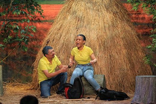 Chiến Thắng khiến không ít khán giả và giám khảo Hoài Linh phải nghẹn ngào xúc động với câu chuyện 60 năm cùng bà lão xì-tin Việt Hương.