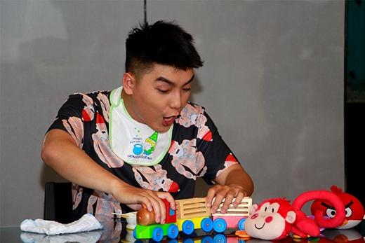Ngọc Trai được ví như một chú Tắc Kè Hoa khi anh luôn thay đổi hình ảnh của mình khi hóa thân thành những vai trò minh họa cho chương trình mà bản thân làm VJ dẫn dắt.