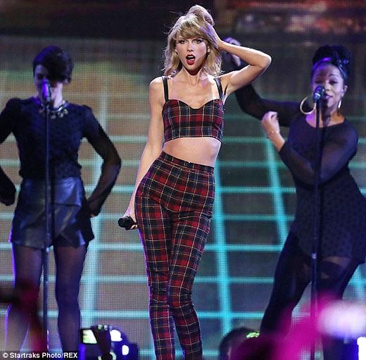 Taylor Swift lại lập kỉ lục mới
