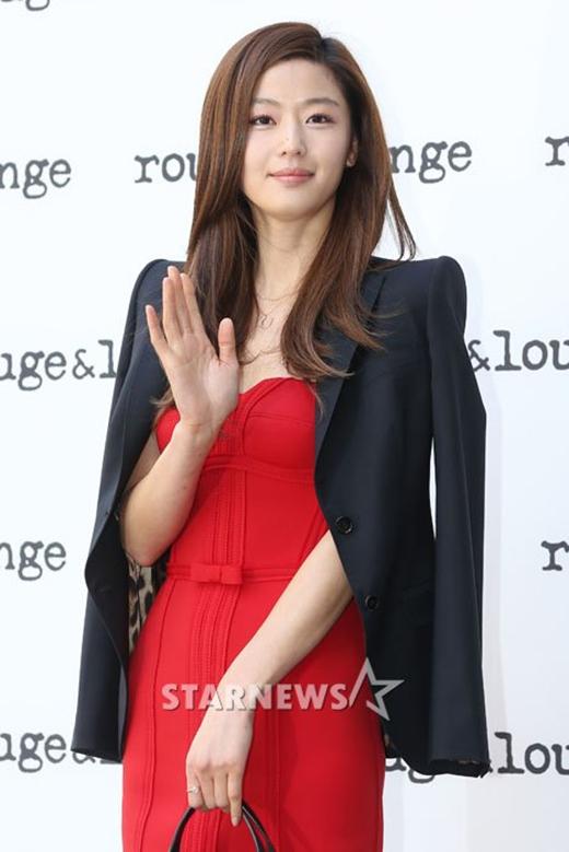 Fan thích thú khi Cụ - Mợ sẽ sánh đôi trong SBS Drama Award 2014
