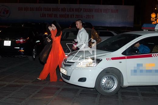 Thủy Tiên bịt khẩu trang kín mít đi ăn đêm ở Hà Nội - Tin sao Viet - Tin tuc sao Viet - Scandal sao Viet - Tin tuc cua Sao - Tin cua Sao