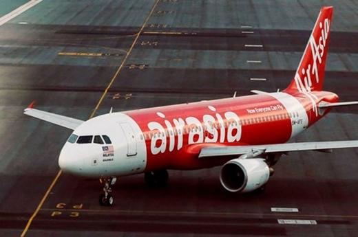 Máy bay đã rẽ trái trước khi mất tích; tiết lộ đoạn hội thoại cuối của QZ 8501