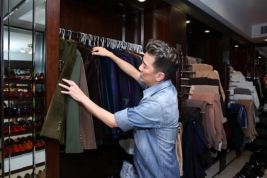 Anh là một tín đồ thời trang, luôn tạo ra xu hướng ăn mặc trong showbiz Việt. - Tin sao Viet - Tin tuc sao Viet - Scandal sao Viet - Tin tuc cua Sao - Tin cua Sao
