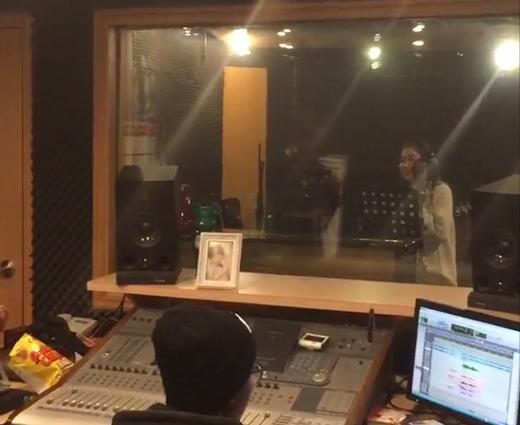 Jessica chuẩn bị solo với sự giúp đỡ của anh Michael Jackson?