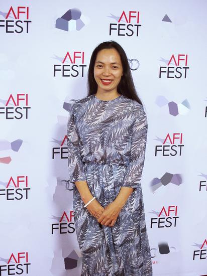 """Khi biết tin được giải """" Đạo diễn xuất sắc"""" ở LHP Bratislava (Slovakia), Nguyễn Hoàng Điệp đang có mặt tại AFI Fest ở Hollywood (Mỹ). - Tin sao Viet - Tin tuc sao Viet - Scandal sao Viet - Tin tuc cua Sao - Tin cua Sao"""