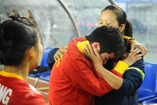 Nỗi buồn của các nữ tuyển thủ Việt Nam sau khi để thua Thái Lan