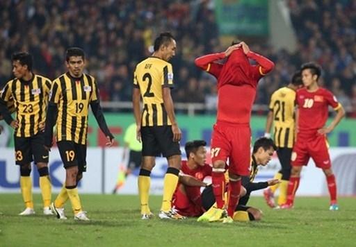 Những sai lầm lãng nhách khiến ĐT Việt Nam phải dừng bước ở BK AFF Cup 2014