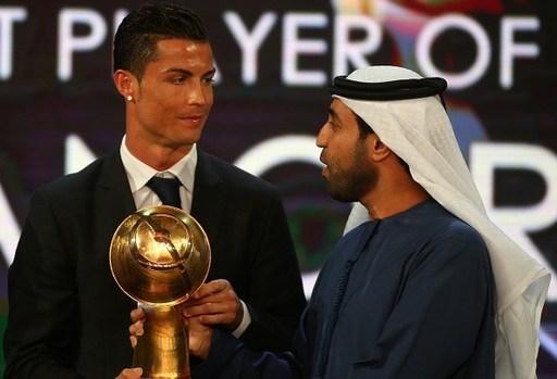 Phát biểu trong thời khắc lên nhận giải thưởng, CR7 chia sẻ: Lúc này tôi cảm thấy rất hạnh phúc vì giành thêm một danh hiệu cá nhân cao quý. Tôi muốn cảm ơn tới tất cả các thành viên tại Real Madrid, các đồng đội, HLV, những người đã cùng tôi trải qua một năm tuyệt vời. Tôi hy vọng đây là tín hiệu tốt lành để tiến tới giành thêm danh hiệu Quả bóng vàng nhưng tôi cũng không quá lo lắng nhiều về điều đó.