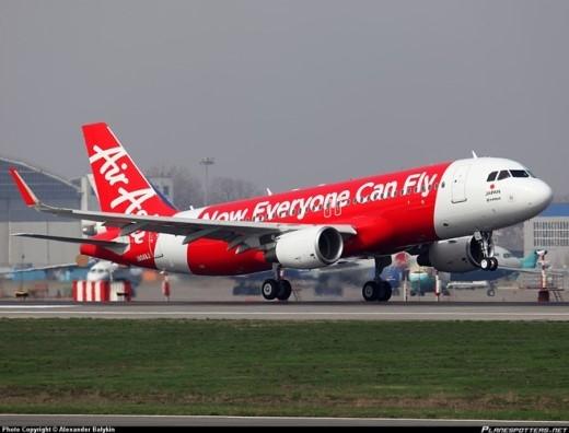 Đại gia đình Airbus A320 bao gồm những máy bay hơn 100 chỗ ngồi (tùy thuộc phiên bản, cấu hình và số ghế). Mẫu Airbus A321 có thể lắp đặt 200 ghế. Chúng thường được khai thác ở các chặng bay trung bình. Chúng có khả năng cất cánh với tối đa 16,6 tấn hàng hóa. Giá trị của loại máy bay này dao động trong khoảng hơn 100 triệu USD/chiếc. Ảnh: Planespotter.net