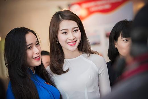 Hoa hậu Ngọc Hân, Thu Thảo duyên dáng trong tà áo dài - Tin sao Viet - Tin tuc sao Viet - Scandal sao Viet - Tin tuc cua Sao - Tin cua Sao
