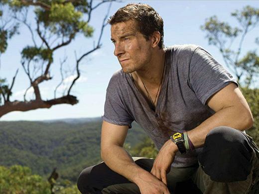 74. Bear Grylls (40 tuổi, nhà thám hiểm/ người làm chương trình truyền hình và nhà văn người Anh)
