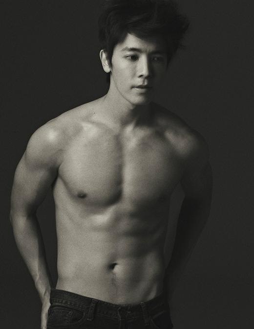 34. Lee Donghae (28 tuổi, ca sĩ/diễn viên Hàn Quốc)