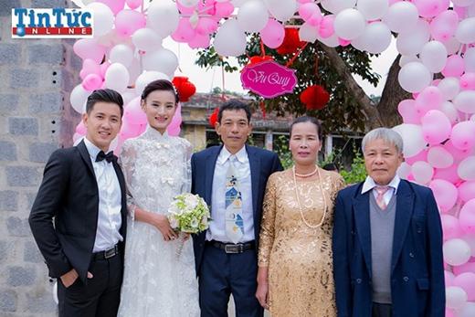 Bố mẹ Lê Thúy hạnh phúc trong ngày vui của con gái - Tin sao Viet - Tin tuc sao Viet - Scandal sao Viet - Tin tuc cua Sao - Tin cua Sao
