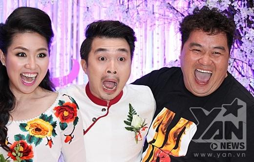Hai vợ chồng chụp ảnh hài hước cùng diễn viên Hoàng Mập - Tin sao Viet - Tin tuc sao Viet - Scandal sao Viet - Tin tuc cua Sao - Tin cua Sao