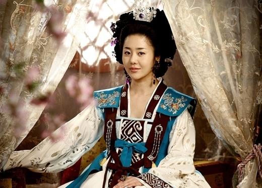 Go Hyun Jung lột tả thành công sự độc ác của ác nữ Mishil trong Queen Seonduk.