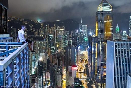 Khoảnh khắc đẹp của Ivan từ trên cao của Hồng Kông.
