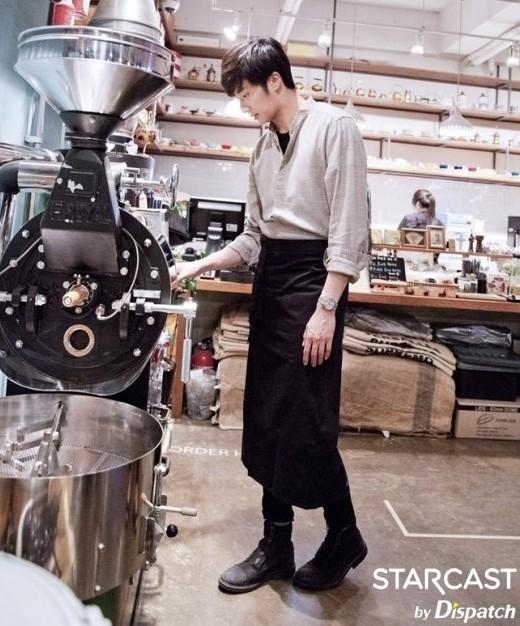 Tìm đâu ra một chàng trai pha chế quyến rũ hơn Jung Il Woo