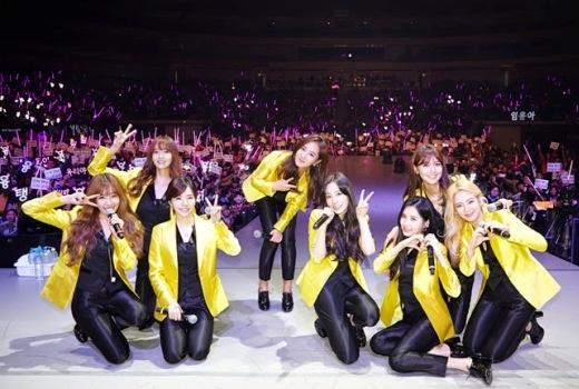 """Trải qua nhiều sóng gió năm 2014, SNSD vẫn giữ vững ngôi vị """"nhóm nhạc hàng đầu châu Á"""", dẫn đầu làn sóng âm nhạc Hàn Quốc trong khu vực và quốc tế."""