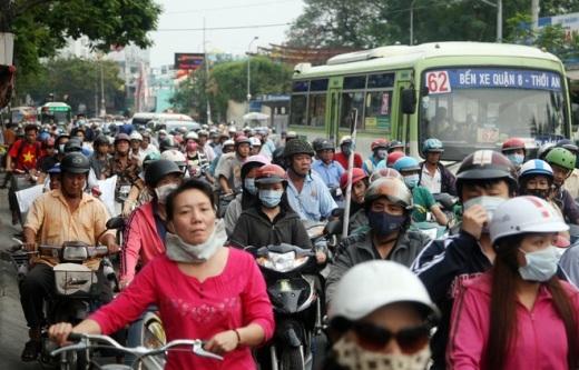 Sự việc khiến tuyến đường Hòa Bình và Lãnh Binh Thăng bị ùn tắc dữ dội.