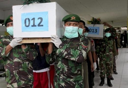 3 nạn nhân QZ8501 vẫn thắt đai và ngồi trên ghế
