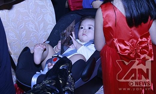 Vẻ mặt đáng yêu của con gái Đoan Trang - bé Sol. - Tin sao Viet - Tin tuc sao Viet - Scandal sao Viet - Tin tuc cua Sao - Tin cua Sao