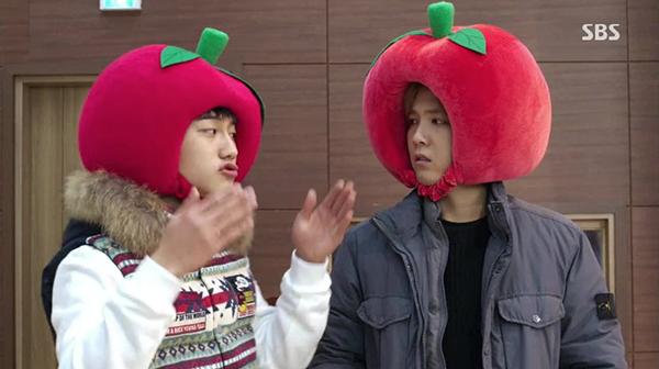 """10 bộ đồ đôi """"gây sốt"""" trong phim Hàn"""