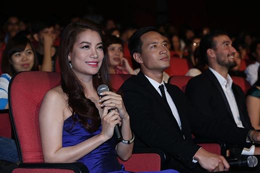 Diễn viên Trương Ngọc Ánh và Kim Lý cũng có mặt dưới hàng ghế khách mời. - Tin sao Viet - Tin tuc sao Viet - Scandal sao Viet - Tin tuc cua Sao - Tin cua Sao