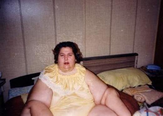 Danh hiệu người phụ nữ béo nhất thế giới thuộc về Rosalie Bradford đến từ Florida. Tháng 1 năm 1987, trọng lượng của cô được ghi nhận trong sách kỷ lục Guinness là 545 kg.