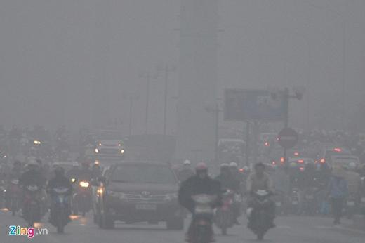 Đường Tố Hữu, quận Nam Từ Liêm lúc 7h45 sáng, thời điểm người dân ra đường đi làm.