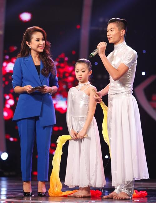 Cặp đôi Quán quân Vietnam's Got Talent 2012 lớn rất nhiều.