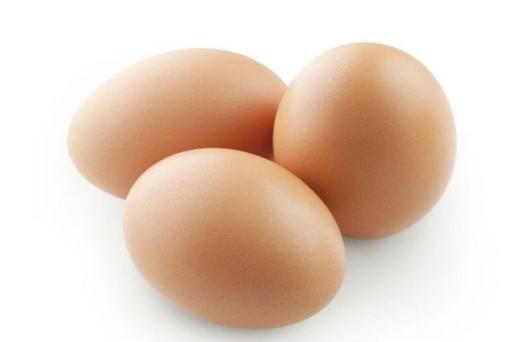 Chi phí rất kinh tế. So với các thực phẩm giàu protein khác như: thịt xông khói, thịt bò, thì chi phí cho bữa sáng với trứng rẻ hơn nhiều.