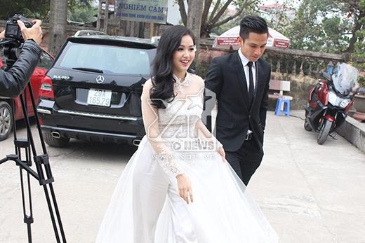 Hai vợ chồng Tâm Tít đã có mặt tại Thiền viện Sùng Phúc. - Tin sao Viet - Tin tuc sao Viet - Scandal sao Viet - Tin tuc cua Sao - Tin cua Sao
