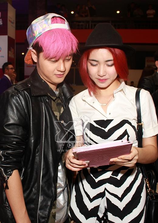Thanh Duy Idol - Hòa Minzy vừa nhìn thấy nhau đã hớn hở... chơi game - Tin sao Viet - Tin tuc sao Viet - Scandal sao Viet - Tin tuc cua Sao - Tin cua Sao